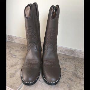 Durango boots lightly worn boy sz 13 dark brown